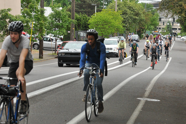 Bike traffic on N Williams Ave-10.jpg