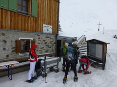 Aufbruch zur zweiten Schneeschuhtour