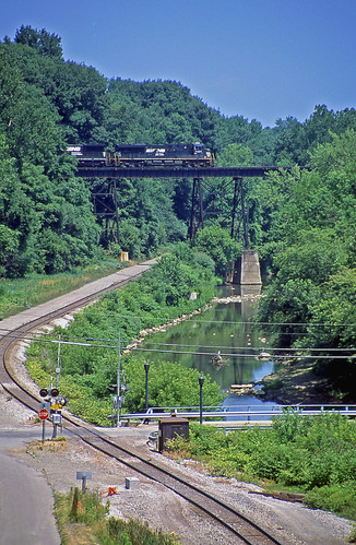 railroadtracks norfolksouthern trestles railroadbridges conneautohio railroadtrestles norfolksoutherntrains bessemerlakeerie conneautcreek nsbuffalodistrict