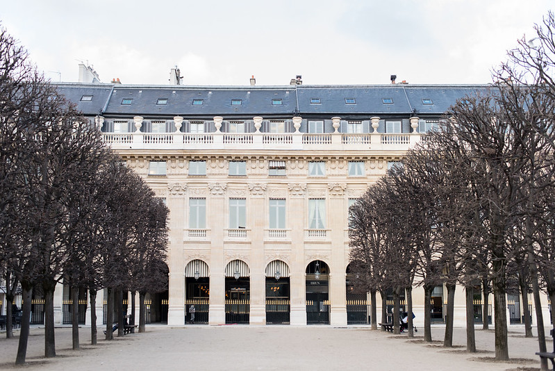 Mode-and-the-city-Palais-Royal-looks-pull-ralp-lauren-preppy-11