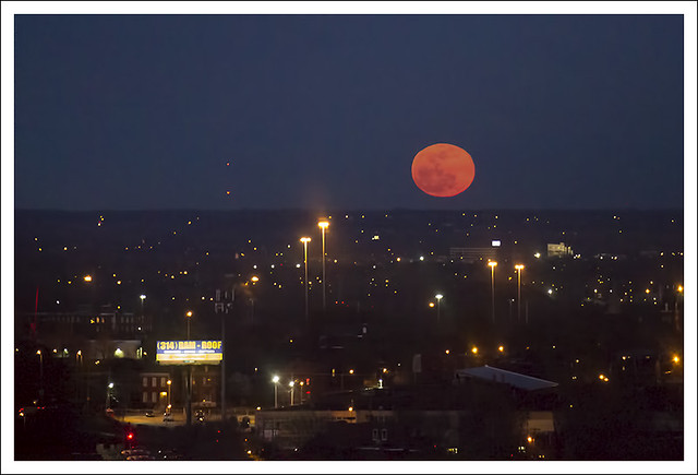 Compton Hill Water Tower Moonrise 2015-04-04 1