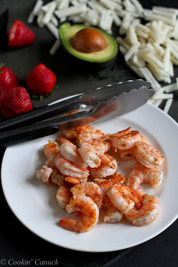 Seared Shrimp Salad with Jicama, Strawberries and Avocado...A healthy dinner salad ready in under 20 minutes! 330 calories and 9 Weight Watchers PP | cookincanuck.com
