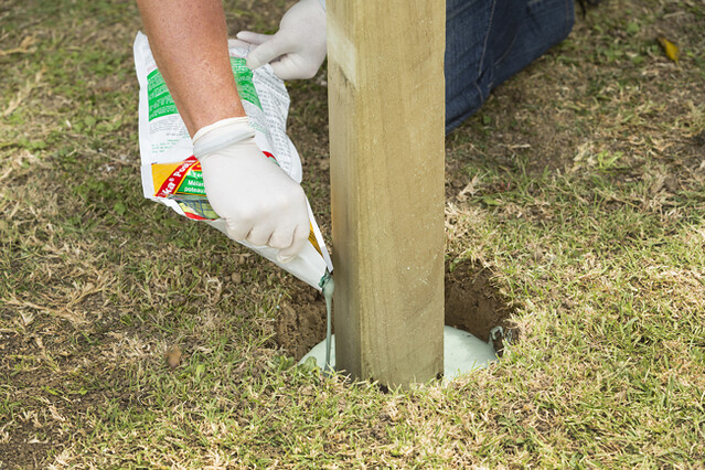 Sika Post Fix is a fast-setting and lighter alternative to instant concrete
