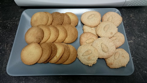 Shrewsbury Biscuits und Almond Macaroons