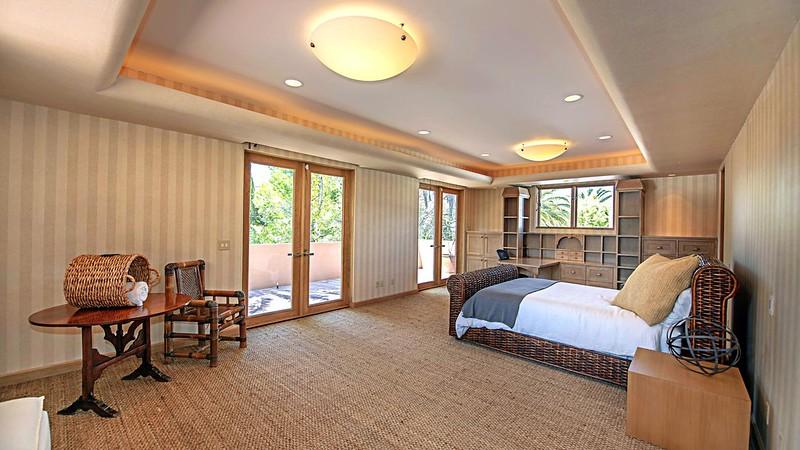 Интерьер большой спальни