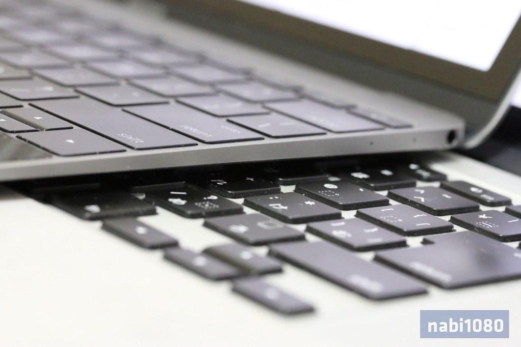 MacBook02