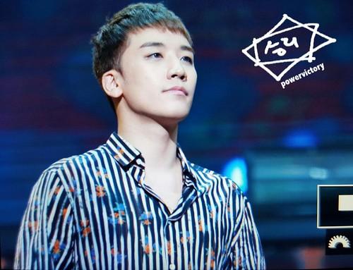 BIGBANG FM Beijing Day 2 2016-07-16 Seungri (9)