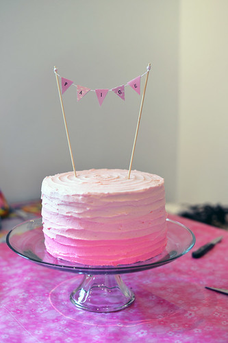 finished-pink-ombre-cake