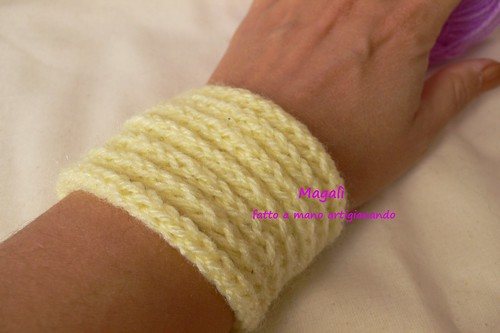 bracciale tricotin giallo scaldapolso 3