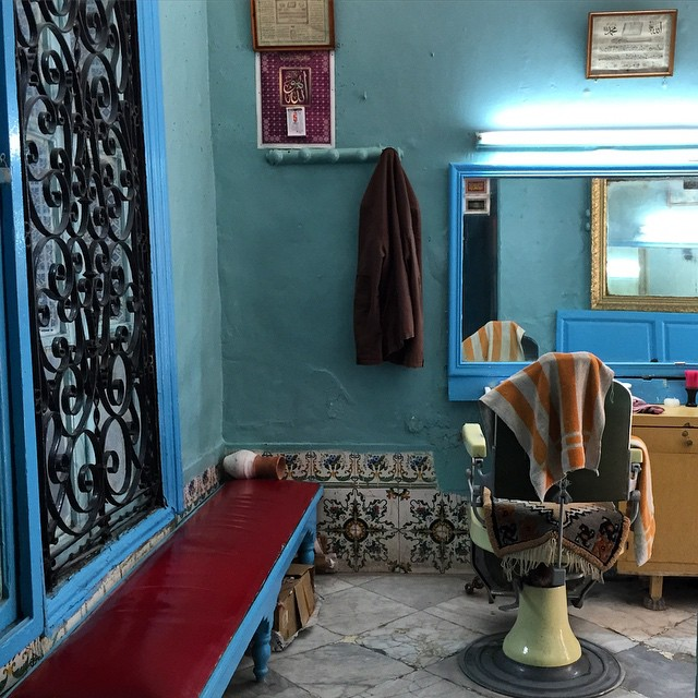 There is a barber shop in the entrance to the hammam