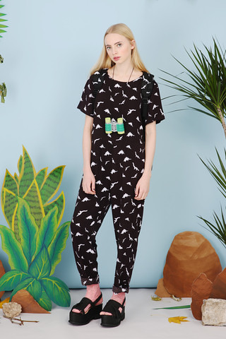 SP18B-THE-WHITEPEPPER-Dinosaur-Print-Jumpsuit-Monochrome-11_large