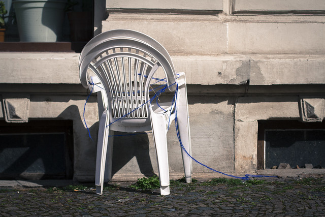 04.04.2015 Blue Ribbon Chair