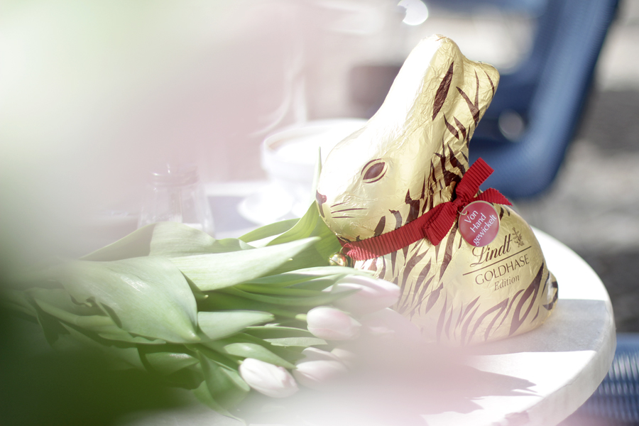 Lindt Goldhase Limited Edition Animal Print Ostern Osterhase Schokohase Lifestyle Outfit Fashionblogger Ostern Easter Bunny Spring Ricarda Schernus blog cats & dogs germany 5