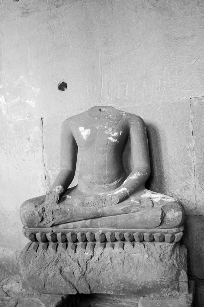 Headless buddha statue