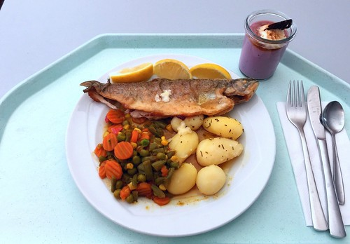 "Trout ""balkan style"" with potatoes / Forelle ""Balkan Art"" mit Kartoffeln"