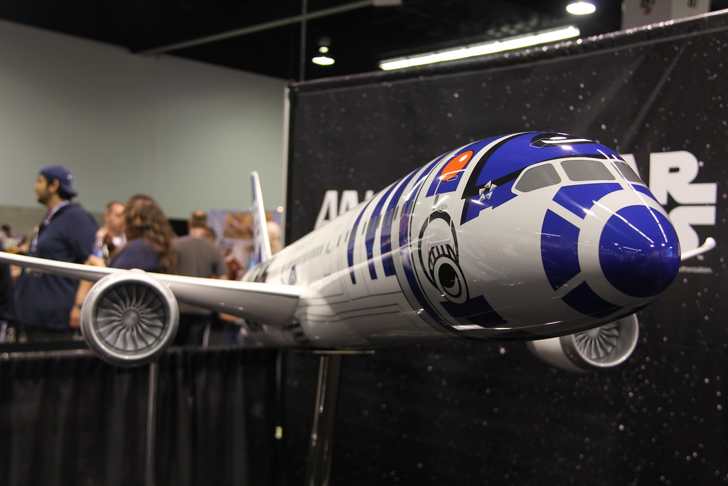 SWCA - Nippon Airways Star Wars plane