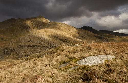 Play of light - Cnicht and the Moelwynion