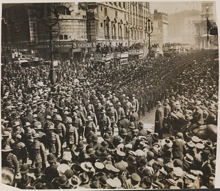 Australian and New Zealand soldiers marching to Westminster Abbey to commemorate the first Anzac Day, London, 25 April 1916