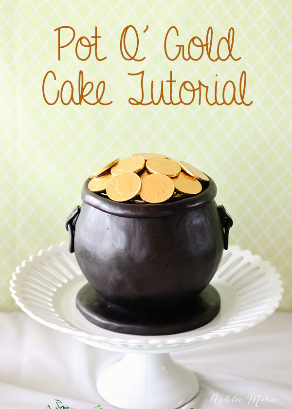an easy tutorial to make your own pot o gold cake for St Patricks day