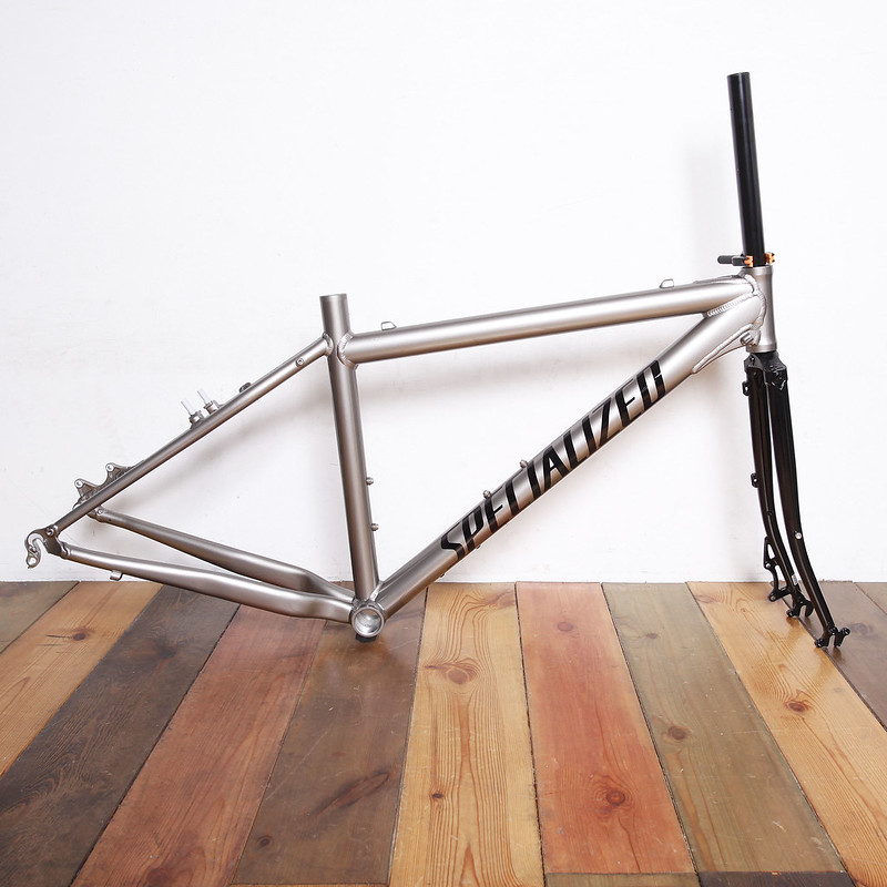 SPECIALIZED Frame Repainted by Swamp Things