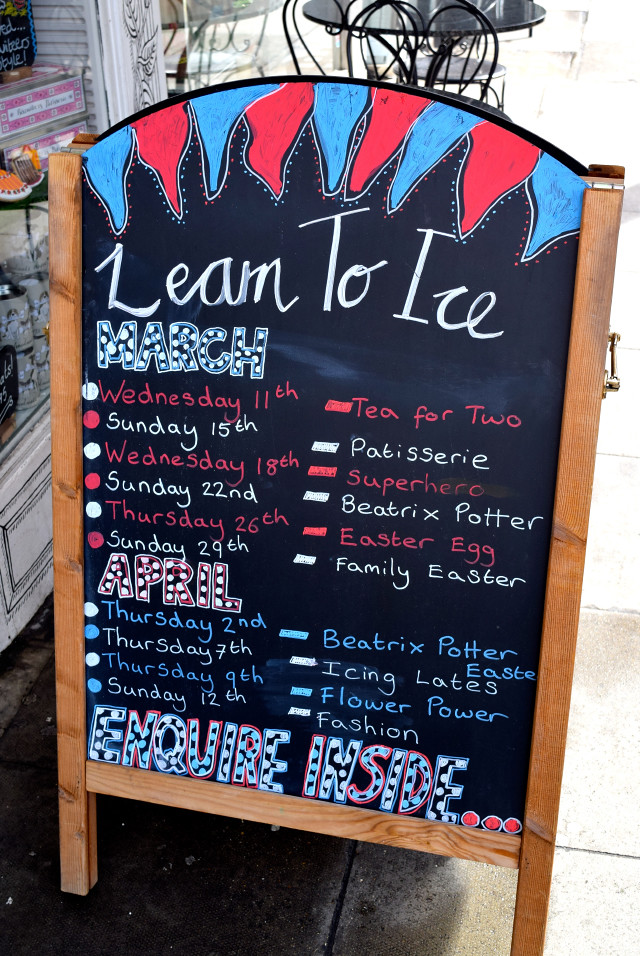 Learn To Ice with Biscuiteers