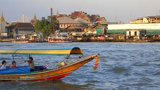 Thailand: Bangkok - life on Chao Phraya River