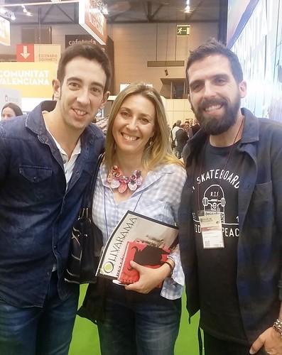 Rosa Alonso, responsable del Centro de Innovación Gastronómica, junto a David García y Carlos Medina, participantes de la 2ª edición de Top Chef