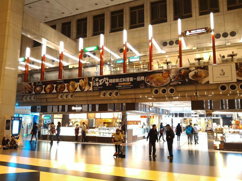 ASUS Zenfone 2 超高解析度相片,拍攝地點:台北車站大廳\