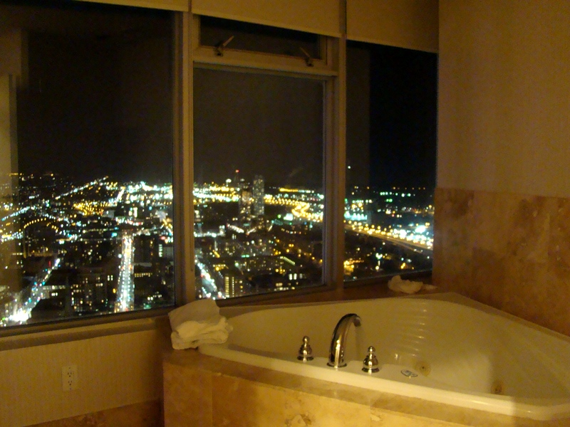 1 King West Hotel Jacuzzi suite