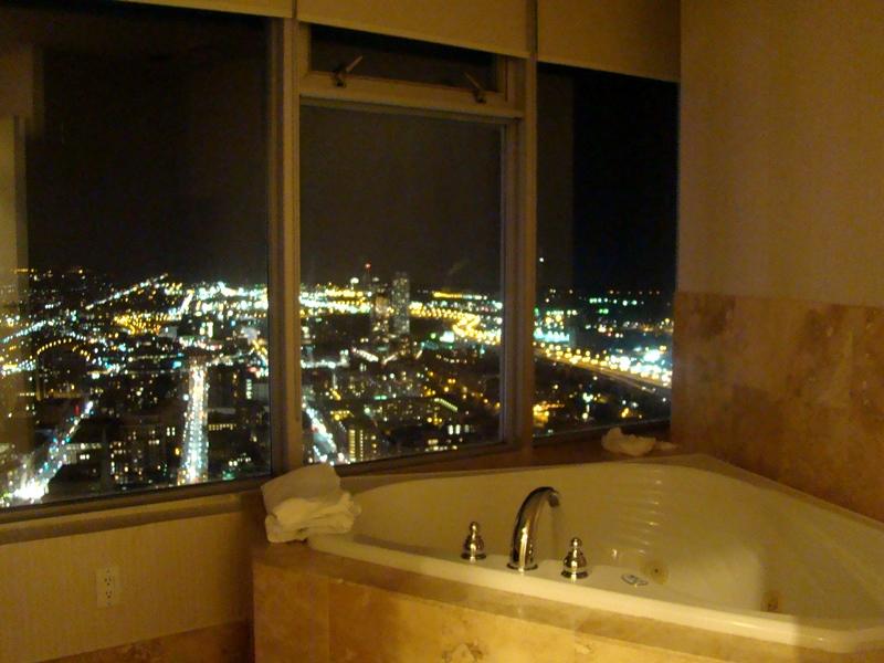 1 King West Hotel Jacuzzi suite