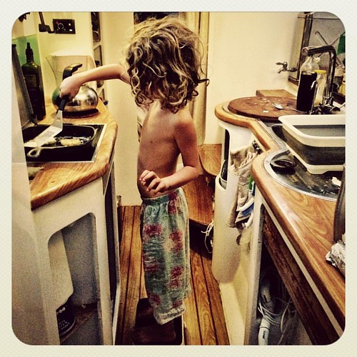 116/365 • cooking up Mother's Day egg-in-a-hole • #116_2016 #mothersday #5yo #breakfast #liveaboard #Autumn2016 #love #biglove