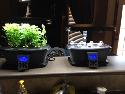 The new Aerogarden. We're growing peppers yall!