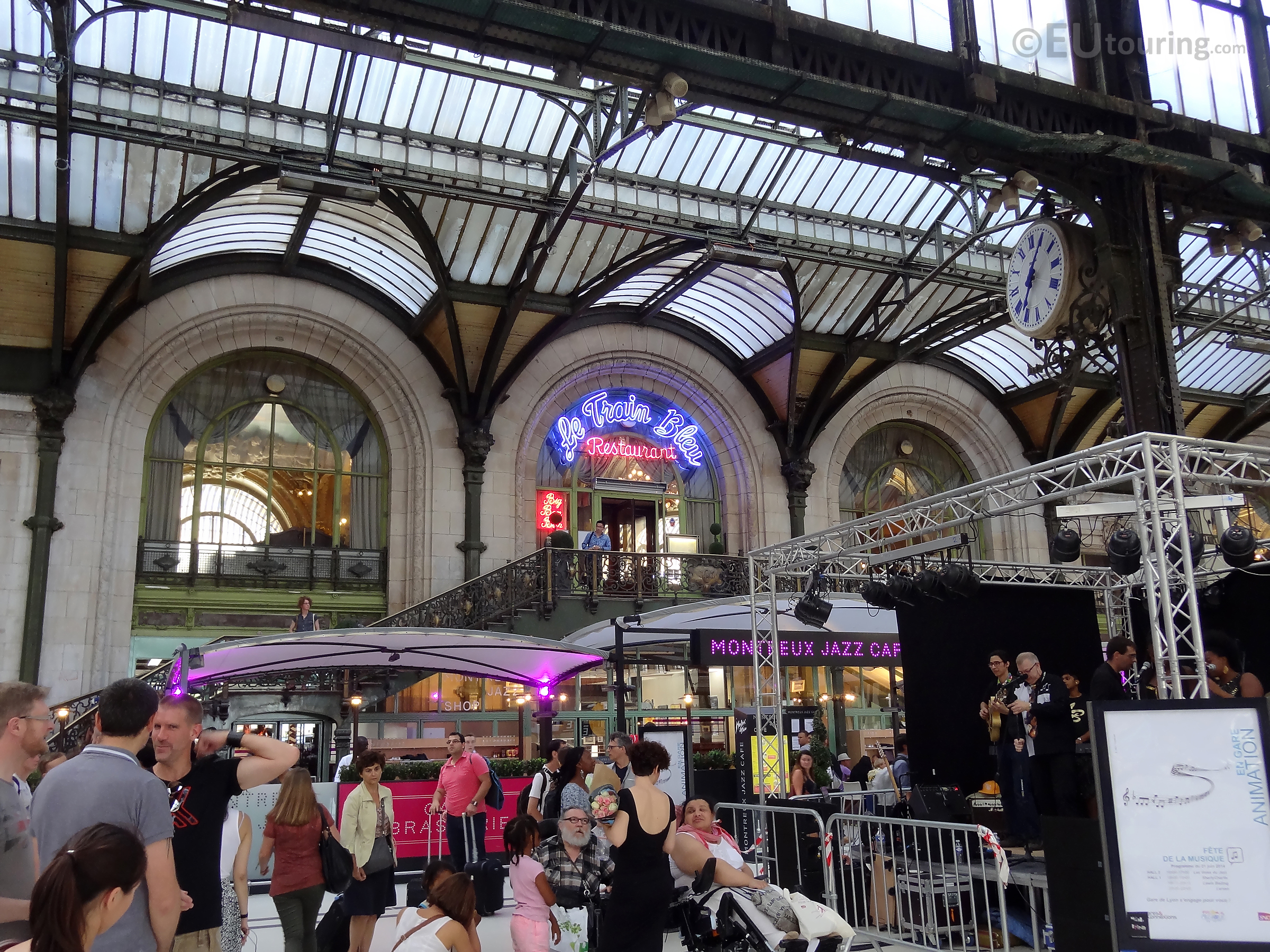 View inside Gare de Lyon