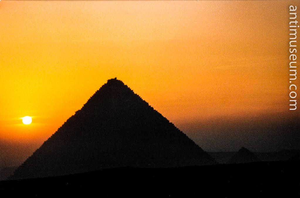 pyramide-1.jpg