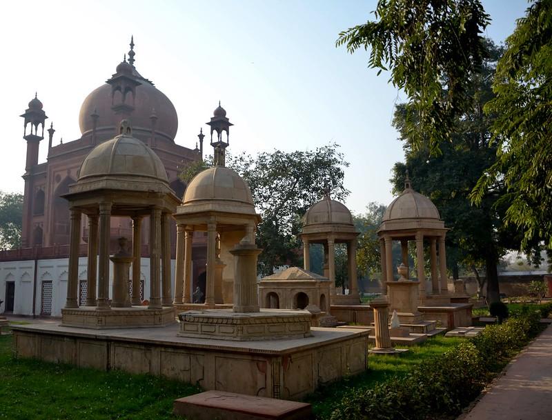 Roman Catholic Cemetery, Agra