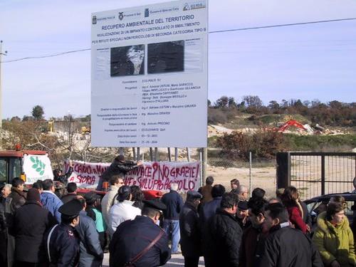 manifestazione 2003 no alla discarica a monte sannace