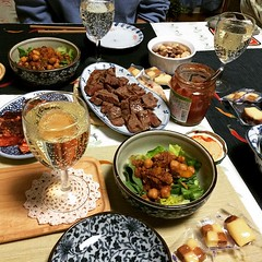 pupu party(again) #dinner #pupu #party #japan #steak #salmon #salad #maguro #cheese #chips #salsa #wine