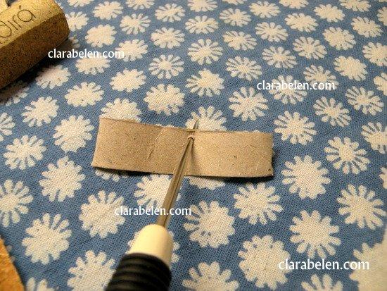 Adorno de un minuto_ Cochecito de rollo de cartón y corcho