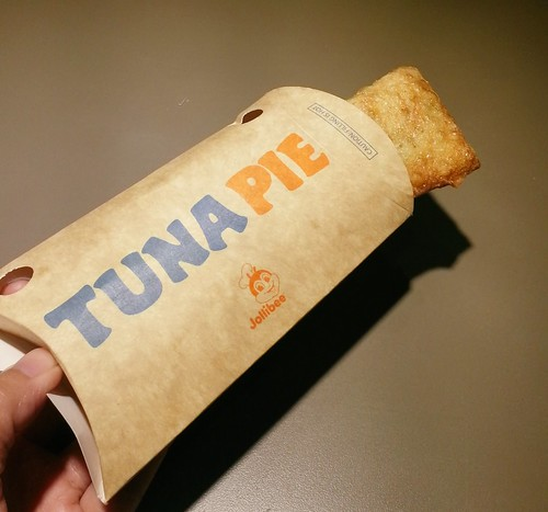 Delicious Tuna Pie from Jollibee | Davao Food Trips IMG_20150331_135050