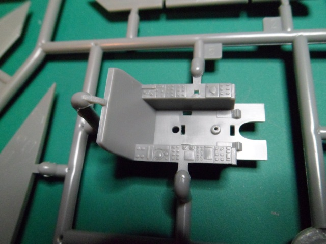Ouvre boîte Shenyang J-8 II Finback B [Trumpeter 1/48] 16897583952_829365ca3b_o