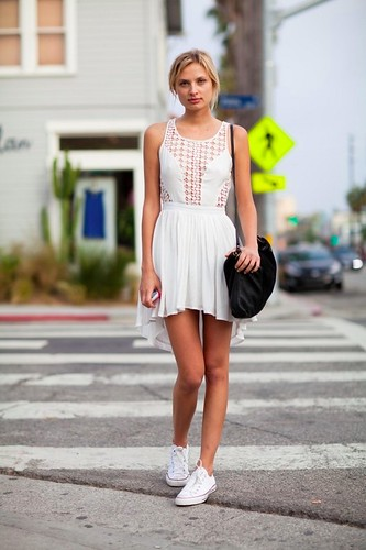 all-white-flowy-dress-white--large-msg-137667992555