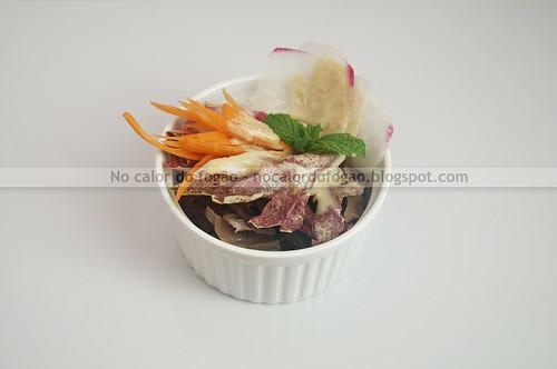 Molho para salada com tahine e missô