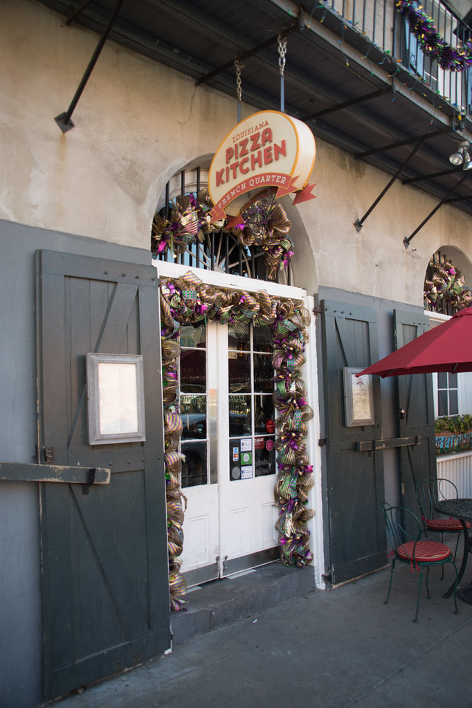 Exterior of Louisiana Pizza Kitchen