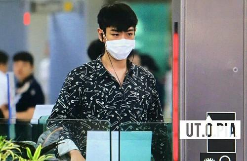 Big Bang - Gimpo Airport - 28jul2016 - Utopia - 07_001