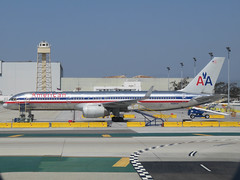 airline, aviation, airliner, airplane, airport apron, airport, vehicle, air travel, infrastructure, tarmac, jet aircraft, boeing 757,