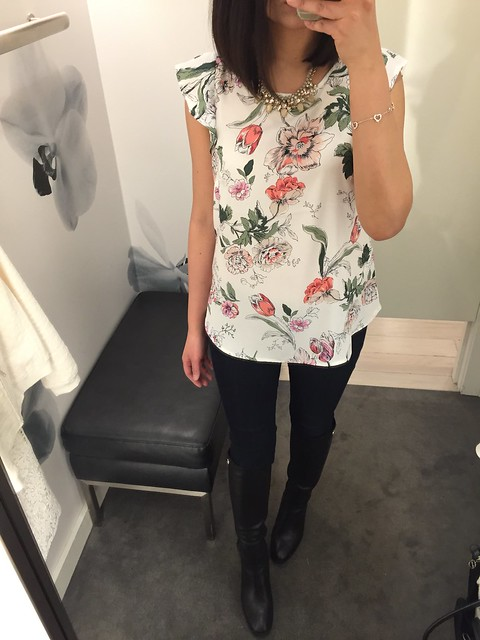 Ann Taylor Floral Flutter Sleeve Top, size XS