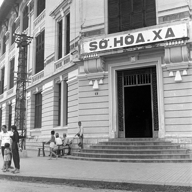 SAIGON October 1945 - Sở Hỏa Xa - Photo by John Florea