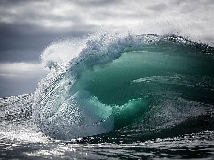 ocean-waves-water-light-warren-keelan-coverimage