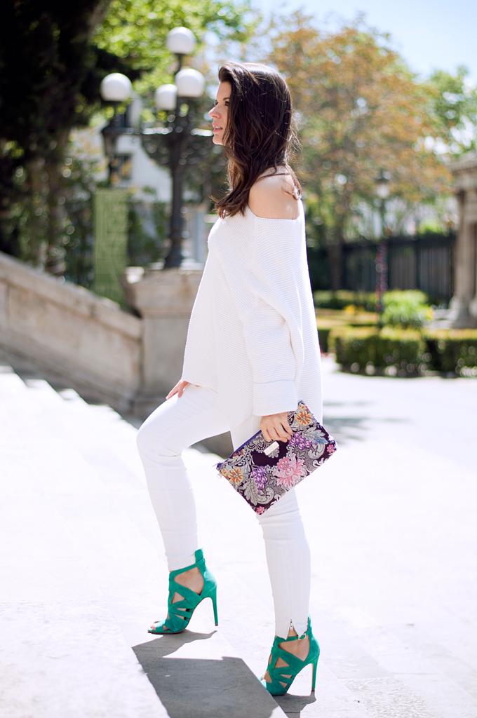 http://www.youcanbe.es/outfit-elegante-en-blanco/