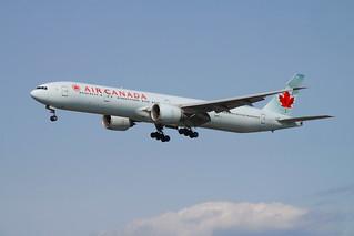 AirCanada_733_C-FIVW